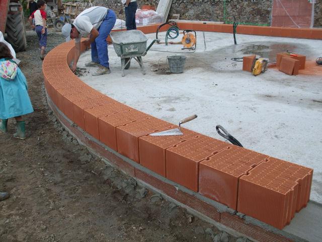 L 39 arrondie est facilit par la petite largeur des bio briques for Construction maison brique ou parpaing